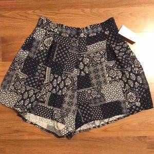 Flowy Patterned Topshop shorts size 2